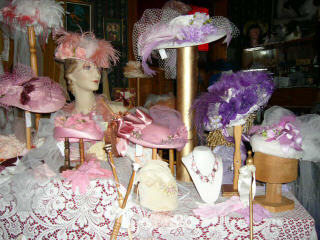 La Chic Hats and Parasols